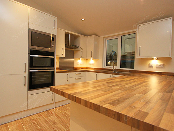 What Colour Of Floor In Kitchen With White Cabinets