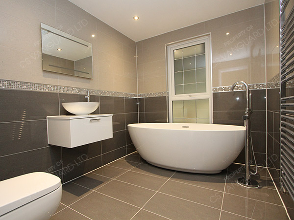 gloss-grey-bathroom